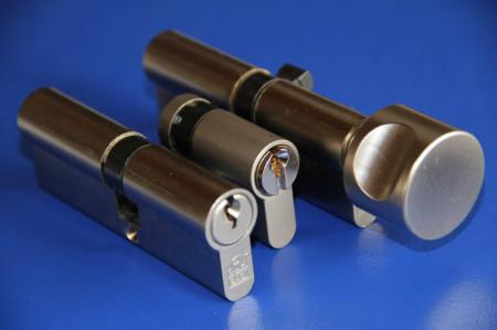 Profil Doppel-Zylinder (links), Halbzylinder und Knaufzylinder (rechts)